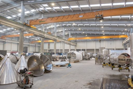 Wide shot of the new Letina factory hall.