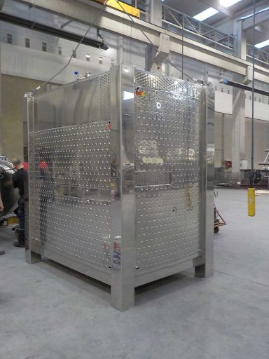 The 7500 L upper KRG square wine tank of a stackable tank pair.