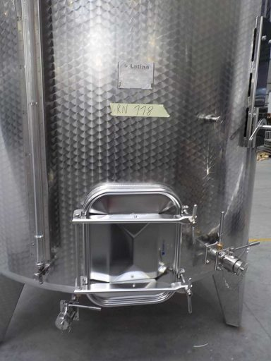 Square manway door and level indicator of a professional 7300 L stainless steel Letina PZP variable capacity tank for wine with a cooling jacket.