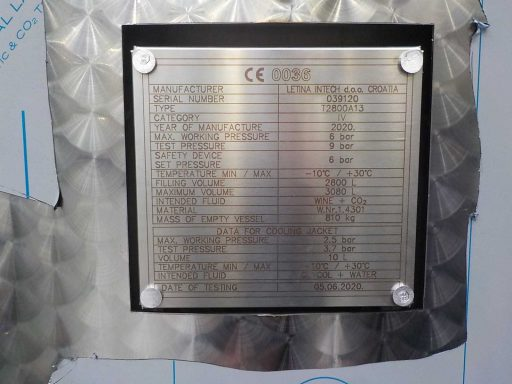 Type plate on a 2800 L stainless steel Letina T charmat tank.
