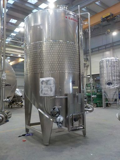 Front view of a 12000 L stainless steel Letina VIKS pump-over fermenter with a spoon bottom.
