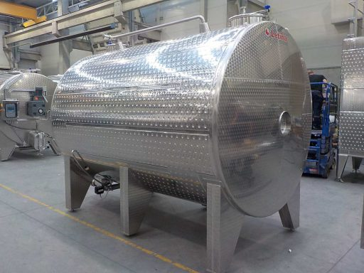 Back view of a 10500 L stainless steel Letina VIN horizontal fermenter.