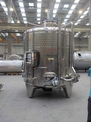 Front view of a 10 000 L [VIP] Punch-down Fermenter.