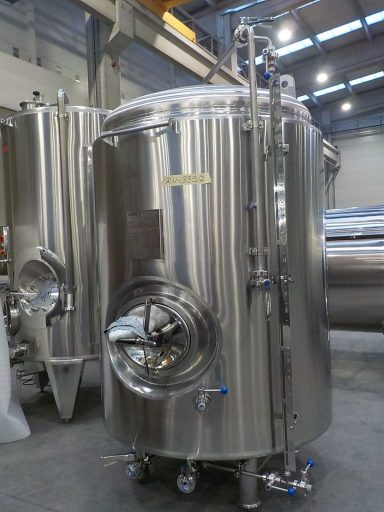 A 2200 L stainless steel ZBB brite tank for beer carbonation.