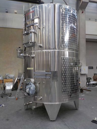 Side view of a marbled stainless steel Letina ZK multi-chamber tank with two 5200 L chambers and cooling jackets.